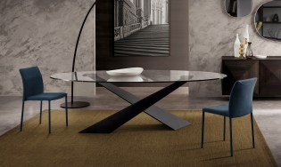 Modern Italian Design dining table by Riflessi