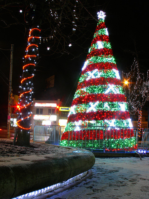 O Christmas Tree Trimming Traditions Around The World