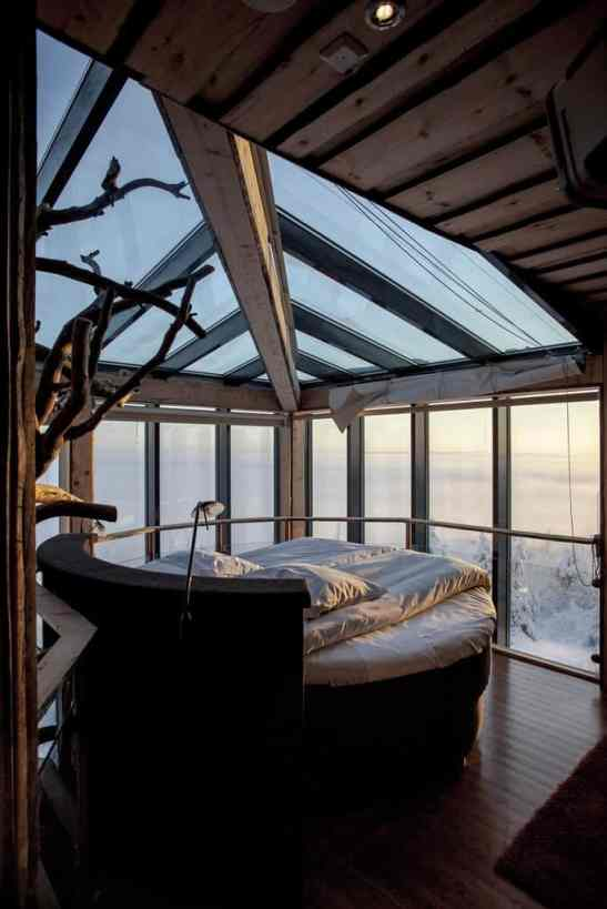 treehouse hotel in finland the eagles view suite tree. Black Bedroom Furniture Sets. Home Design Ideas