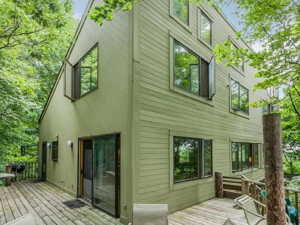 Enchanted Treehouse On Lake Michigan