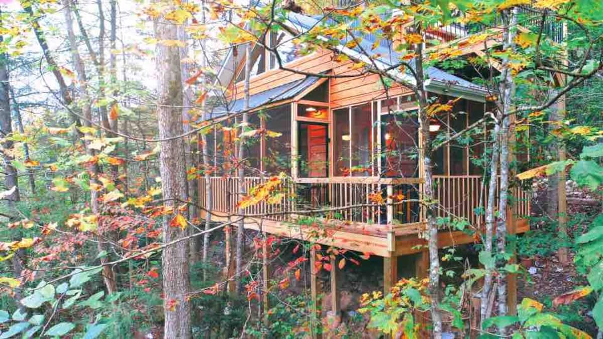 KY Breeze PRIVATE Treehouse- Romantic RRG Forest