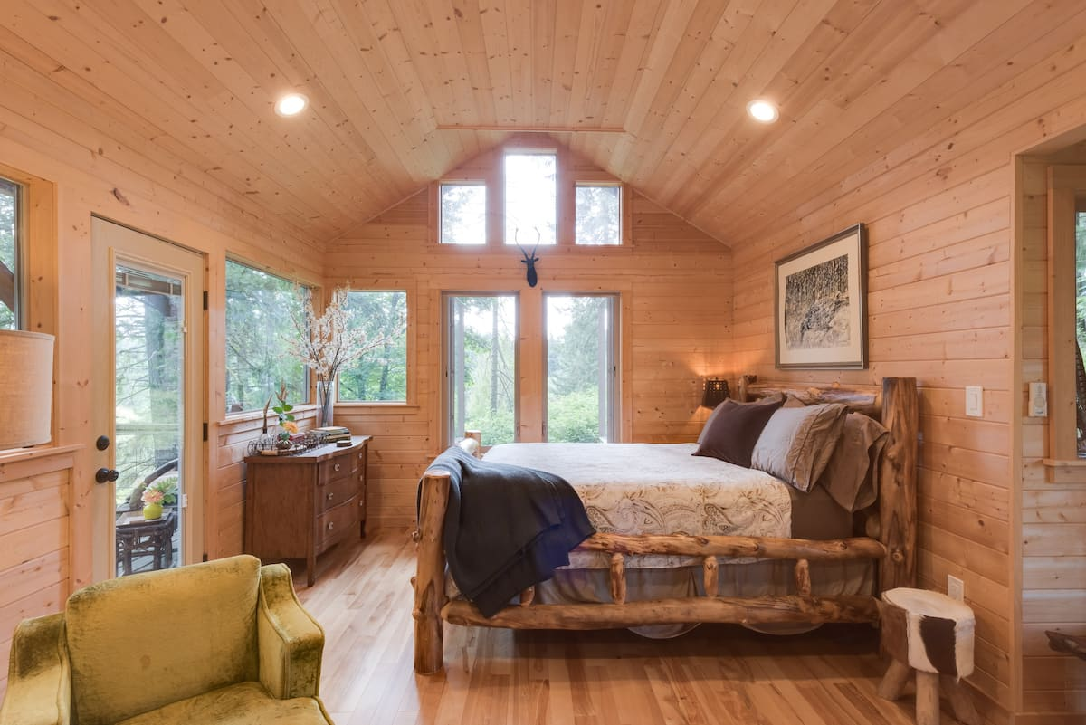 Luxury Treehouses in Oregon Airbnb