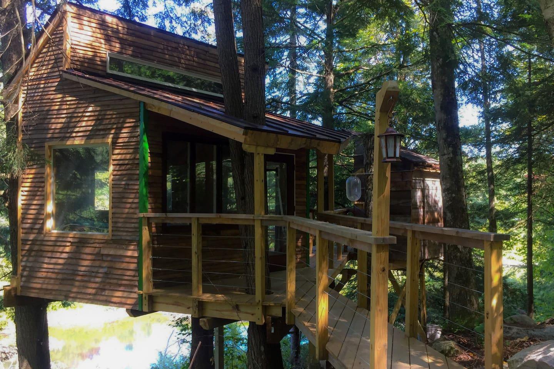 The Beaver Pond Treehouse @ Vermont ReTREEt