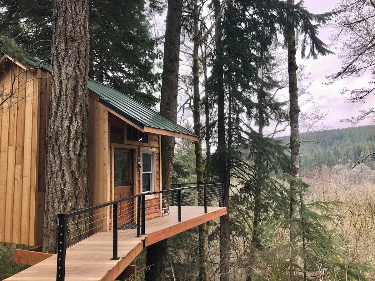 Treehouse Glamping Adventure in Sandy Oregon