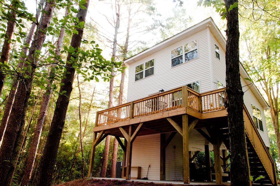 Treehouse-The Tiny House Tree House