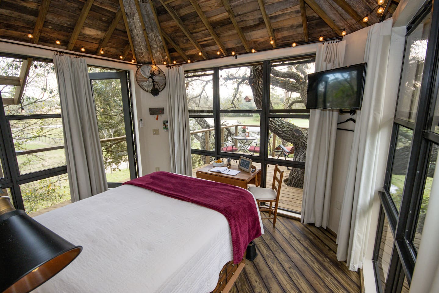 Cool Airbnb Treehouse Rental in Florida