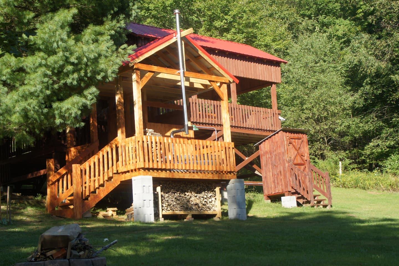 Pet Friendly Treehouse in Pennsylvania