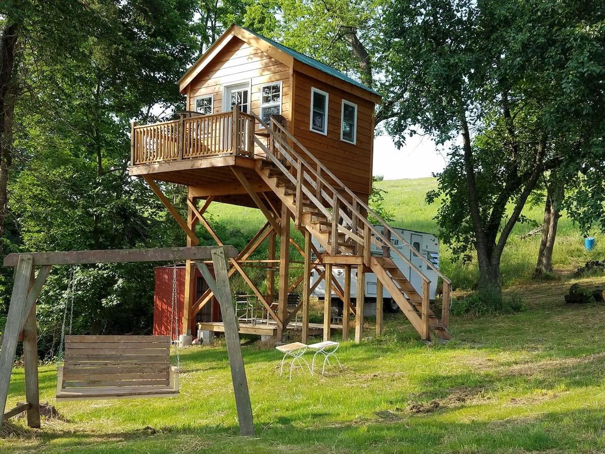 Tree House Rental Airbnb Pennsylvania
