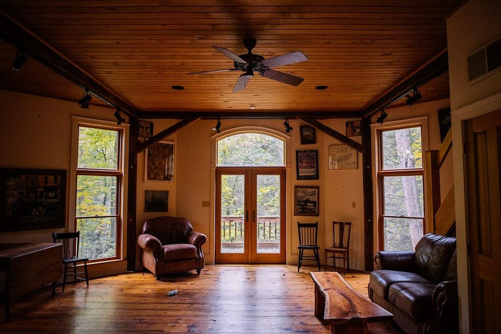 Treehouse Rental PA
