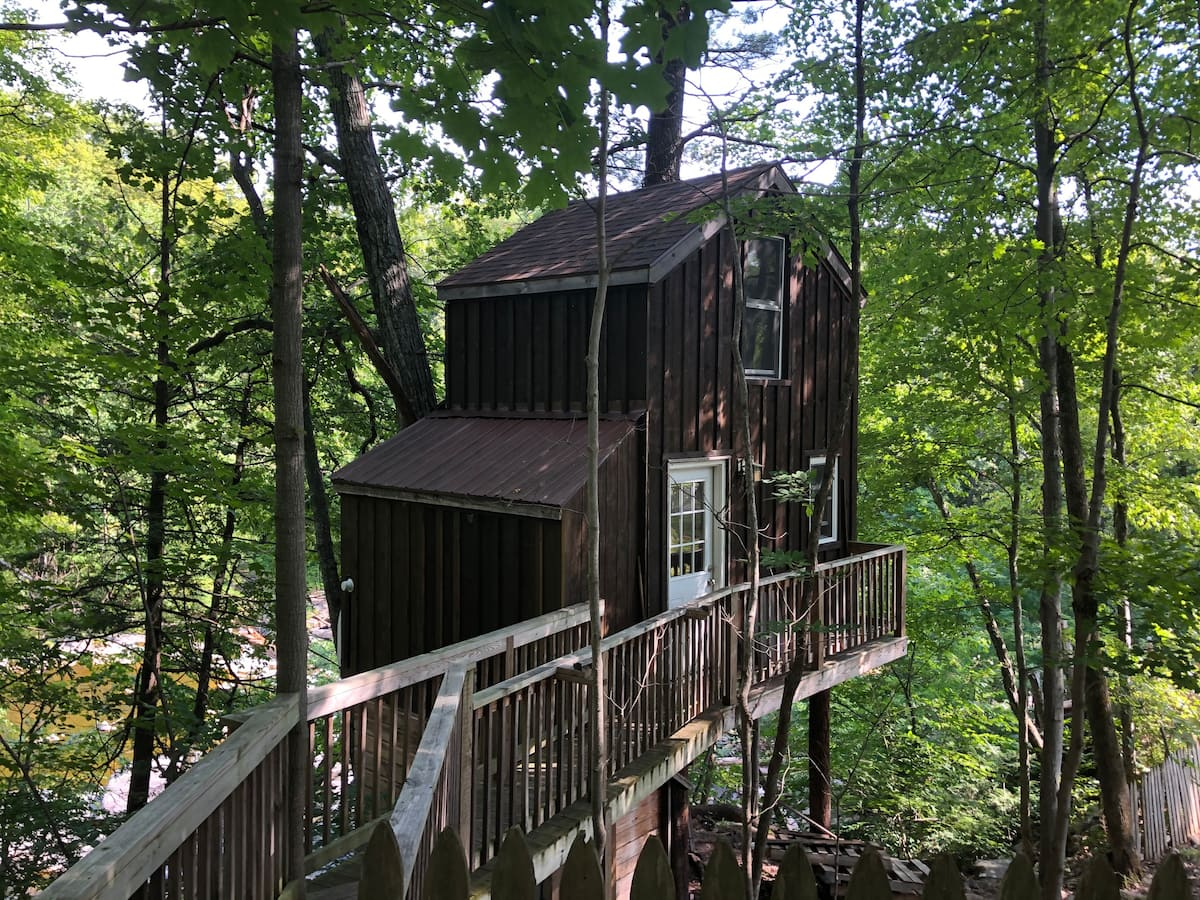 Cozy Treehouse in Catskill Mountains
