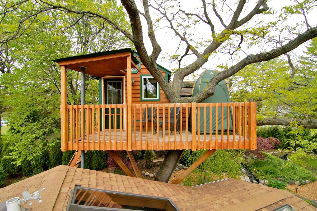 Enchanted Garden Treehouse Rental Illinois