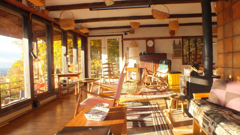 Massanutten Rustic Treeehouse Cabin with Views