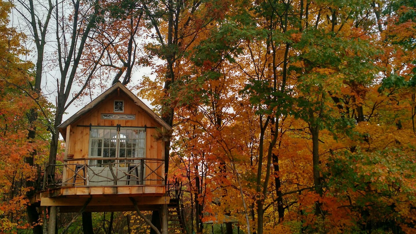 Whispering Wind Treehouse in New York