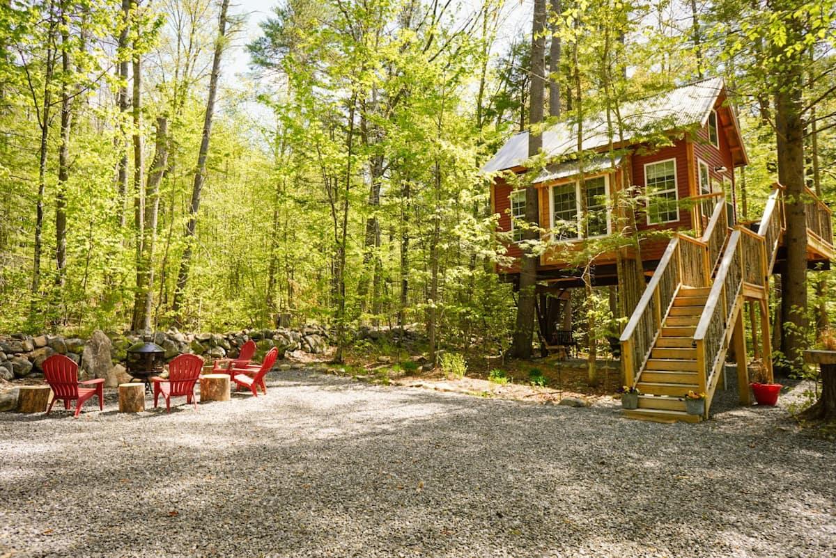 Cozy Treehouse New Hampshire