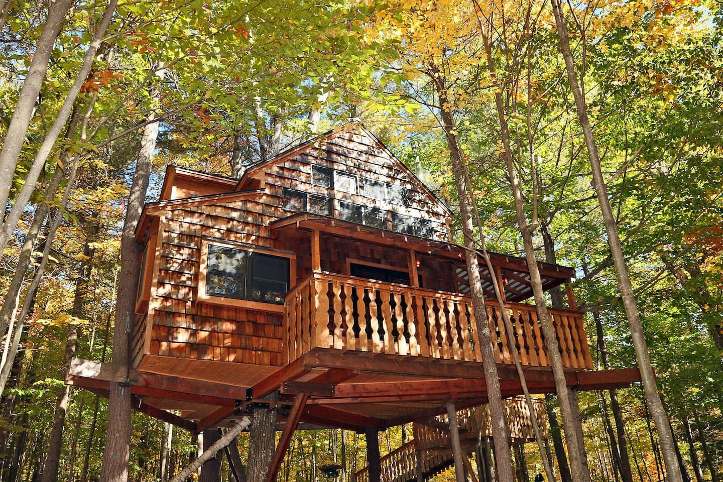 Luxurious Two-Story Treehouse Rental in New Hampshire