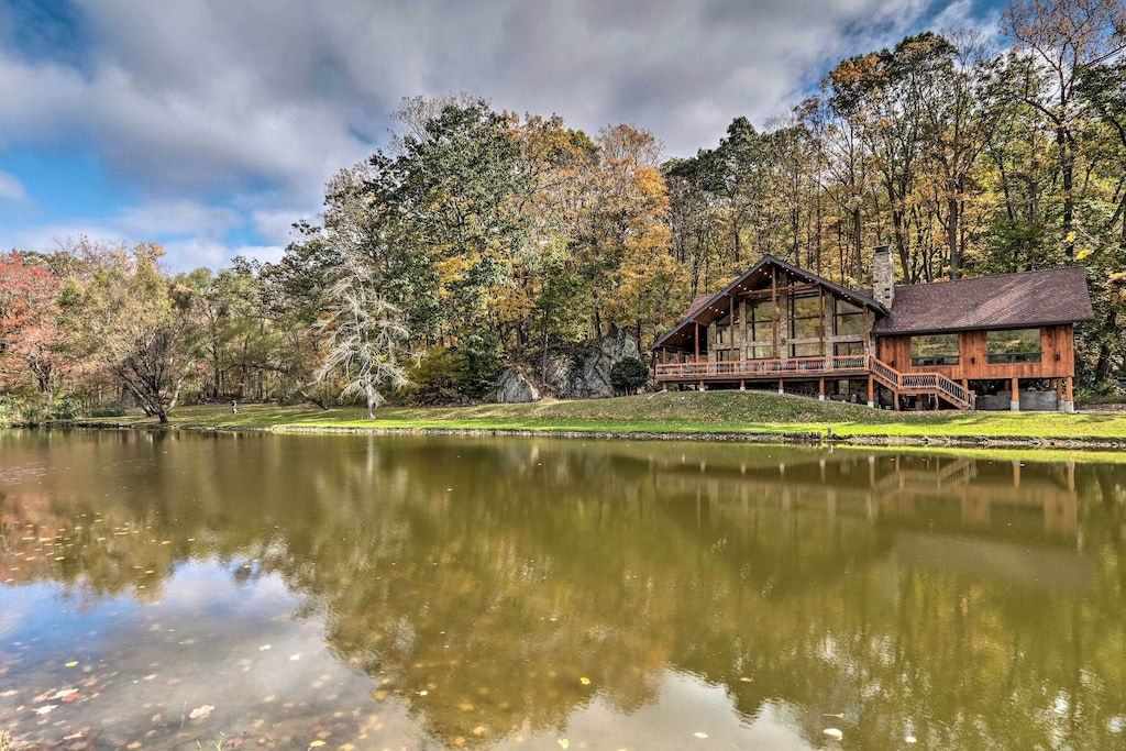Luxury Secluded Cabin Rental in New Jersey Treehouse