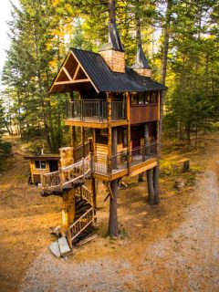 Luxury Treehouse Rental in Montana