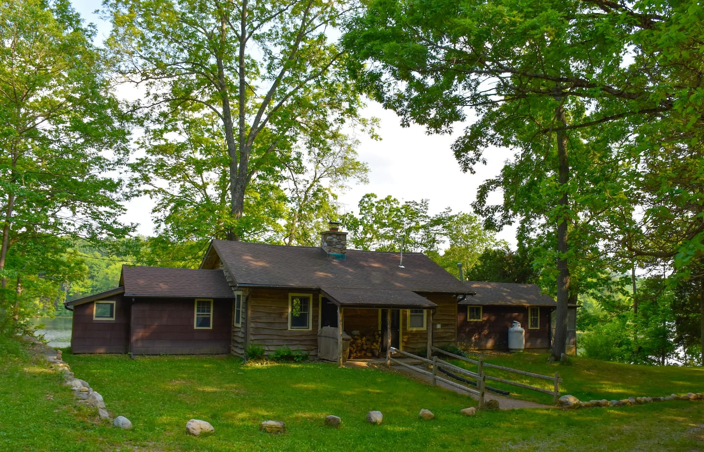 New Jersey Lakefront Cabin