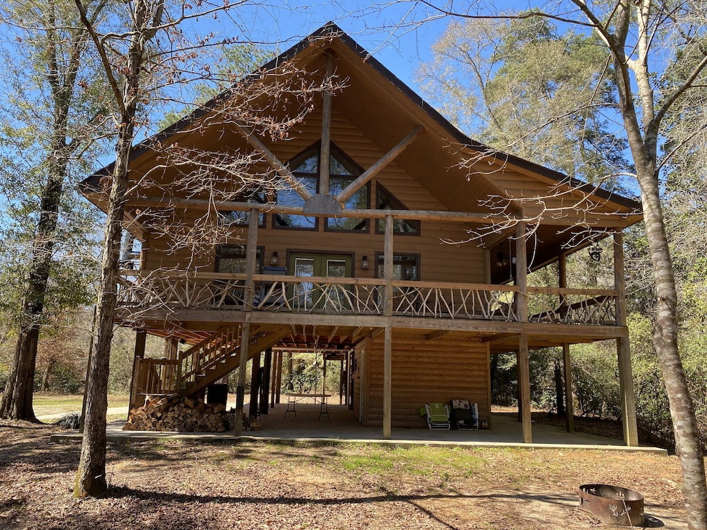 Riverside Treehouse Mississippi Cabin