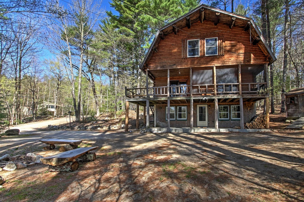Rustic Madison Treehouse Cabin Rental in New Hampshire