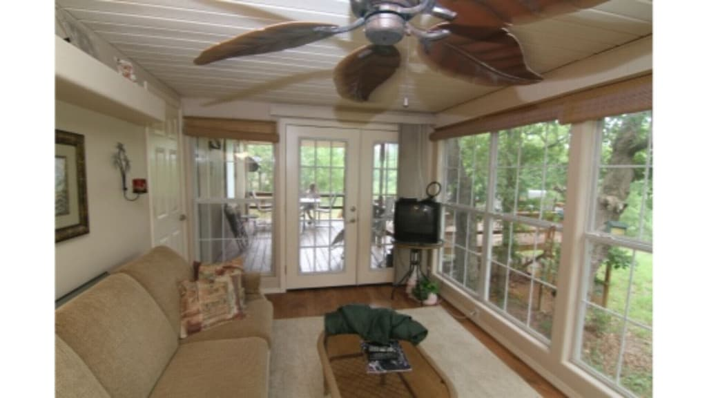 Treehouse Hideaway Rental Oklahoma