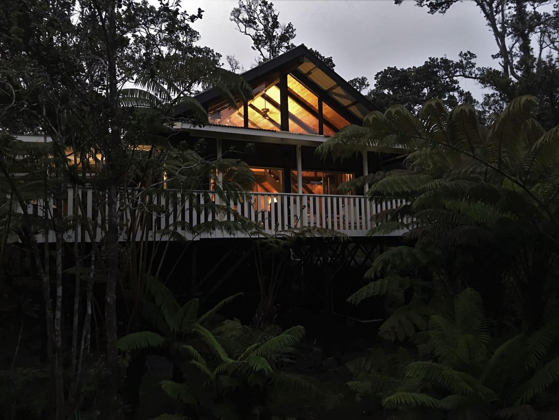 Ao Lele Treehouse Rental— Flying Cloud of Kīlauea