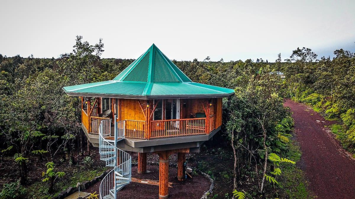 Bamboo Treehouse near Volcanoes National Park Hawaii