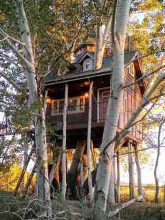 Fantasy Utah Treehouse and Resort