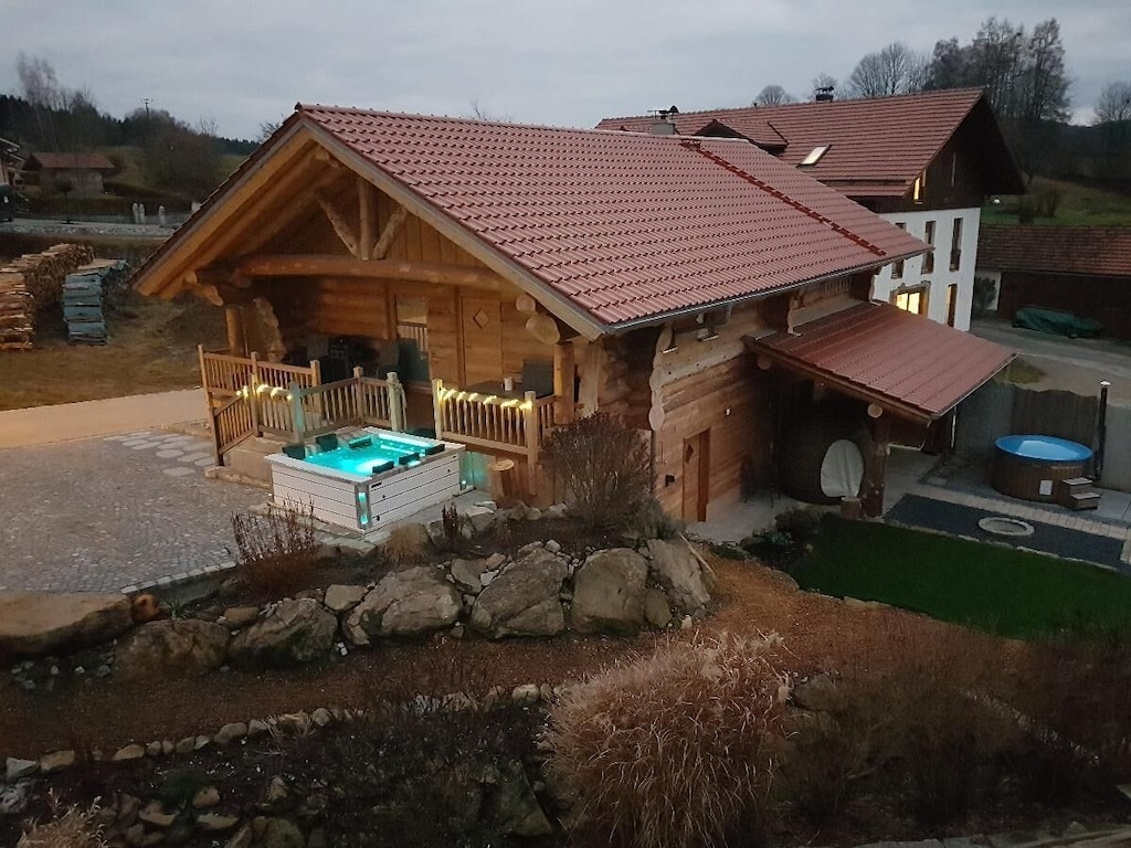 Treehouse Rentals in Germany with hot tub and sauna