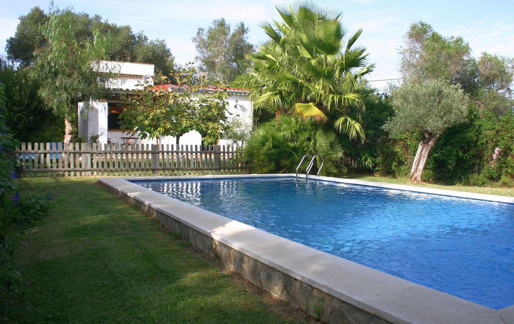 Treehouse Rentals in Spain with pool pet friendly