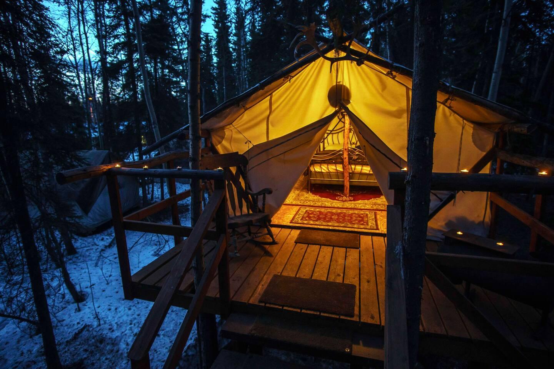 Fairbanks, Alaska Treehouse - Eagle's Nest Glamping