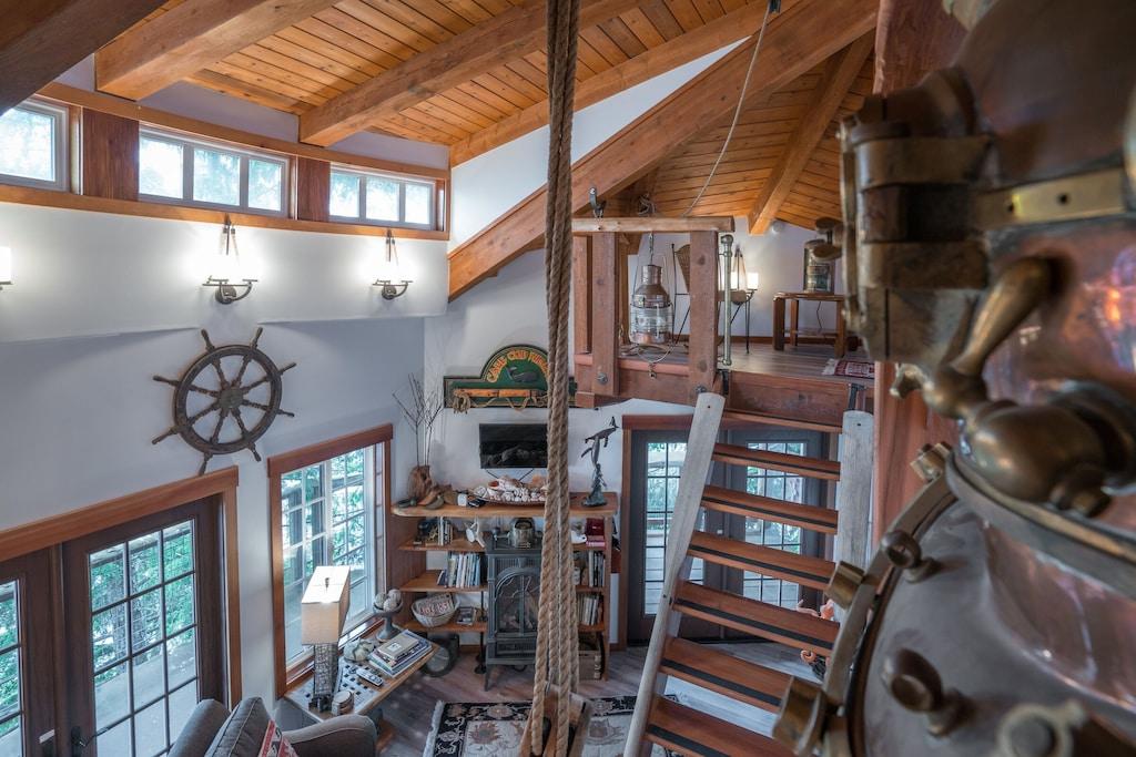 Luxury Treehouse Alaska Waterfront