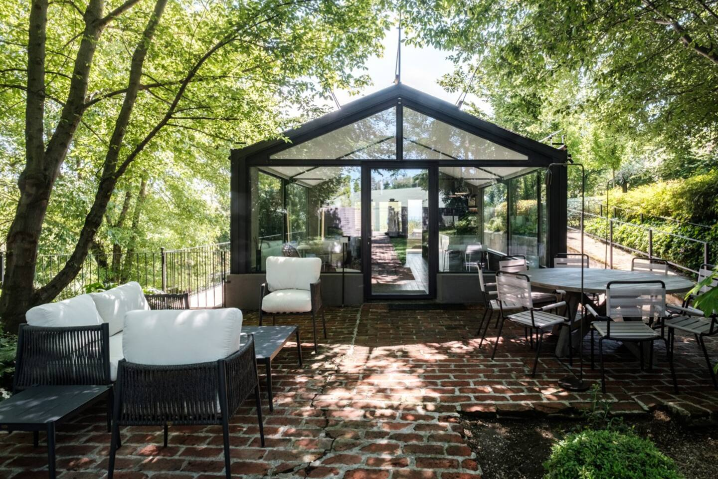 Glass House Italy Airbnb