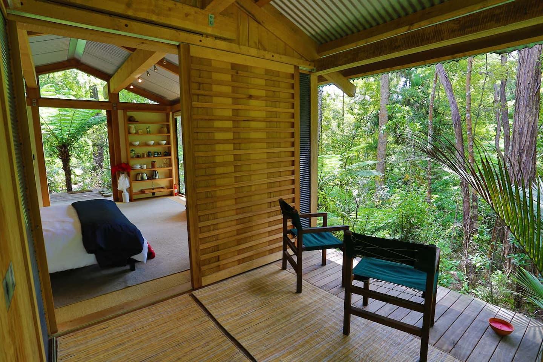 Romantic Bush Tree House Rental New Zealand