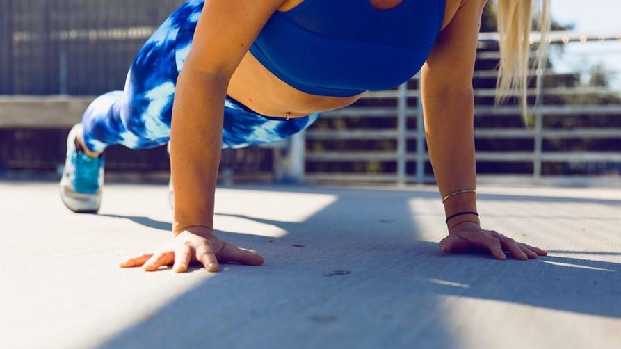 6 exercices intensifs pour perdre du poids sans matériel