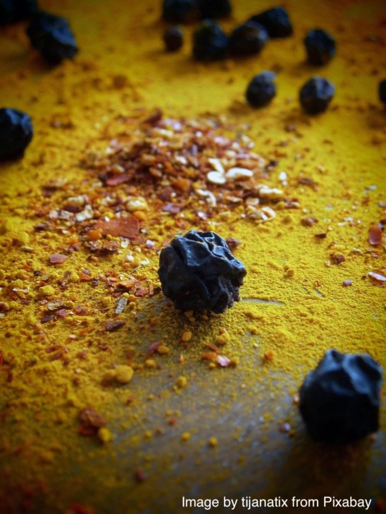 Le poivre noir permet d'améliorer l'assimilation du curcuma