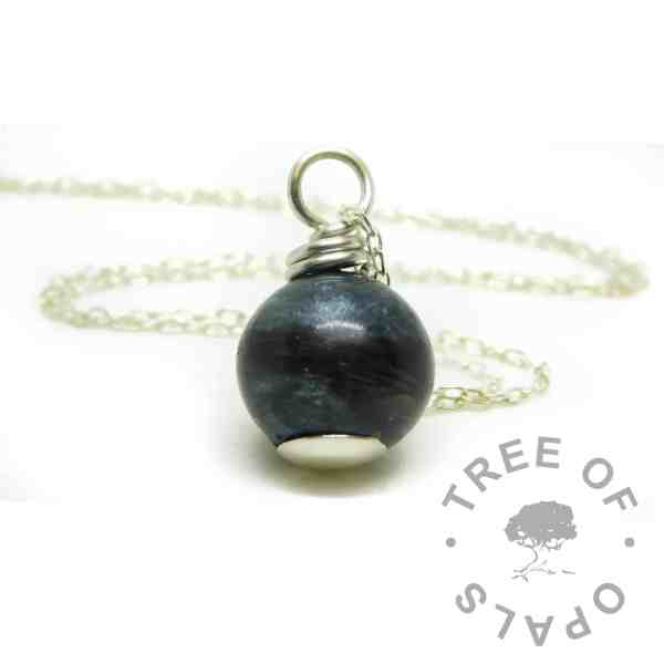 "lock of hair pearl necklace with vampire black resin sparkle mix. Includes 20""/50cm lightweight necklace chain"