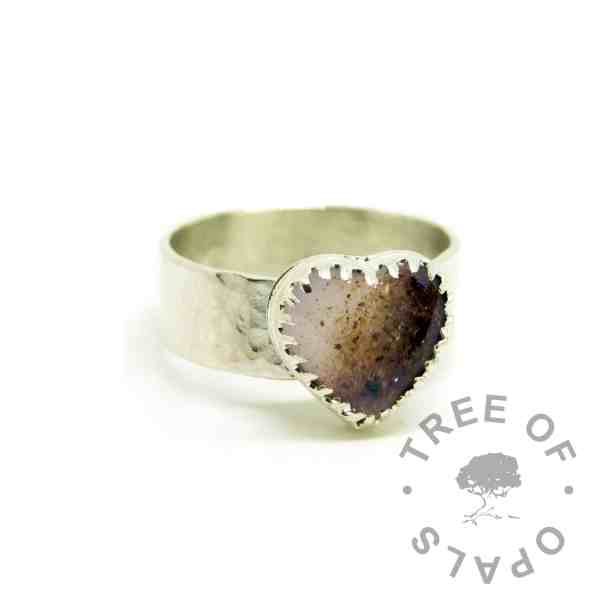 breastmilk and placenta powder heart ring on 6mm textured band