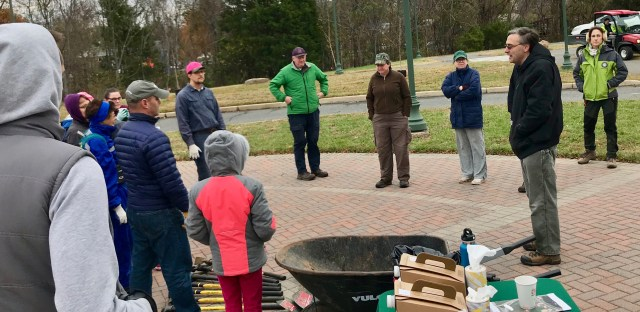 Alexandria Natural Resources Manager Bob Williams welcomes volunteers to Ben Brenman Park.