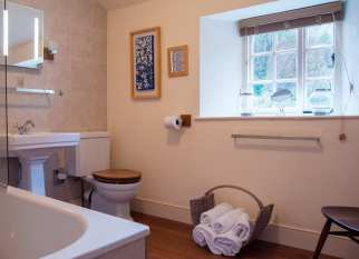 Holly Cottage Bathroom