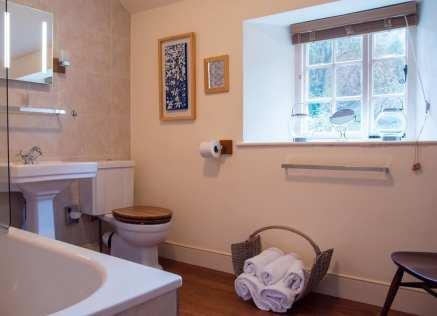 Holly Cottage Bathroom