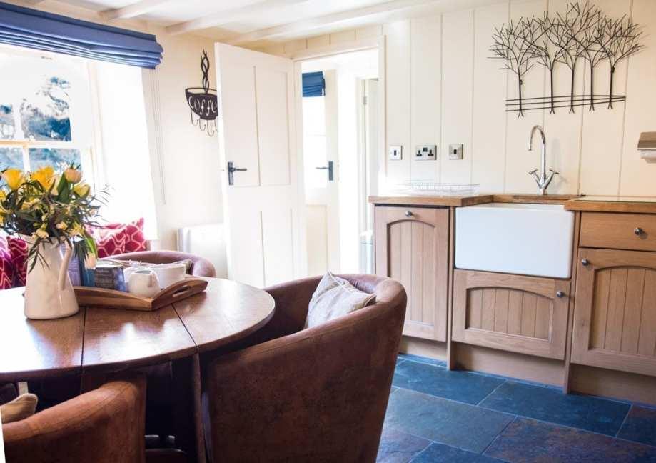 Riverside Cottage Dining Area