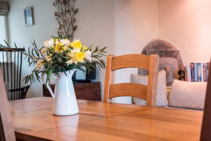 Turn-a-Penny Cottage Dining Table