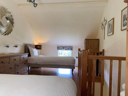holly-cottage-bed-4