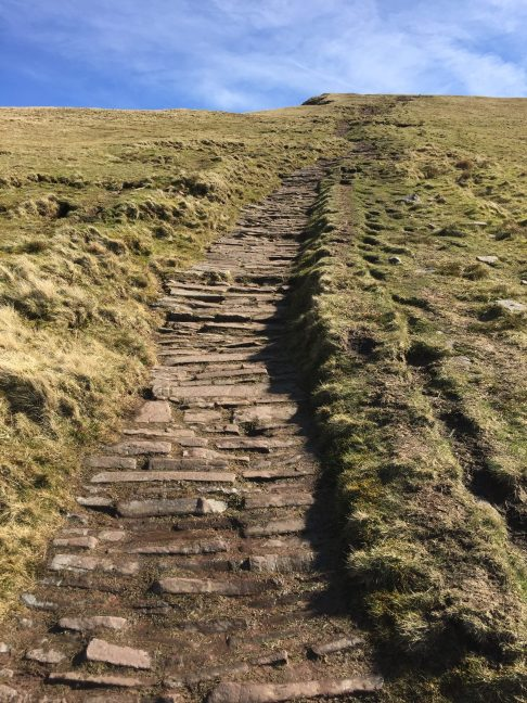 Path up to Cribyn