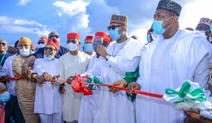 Govs, Ohanaeze commend Buhari as Enugu airport reopens | Trek Africa