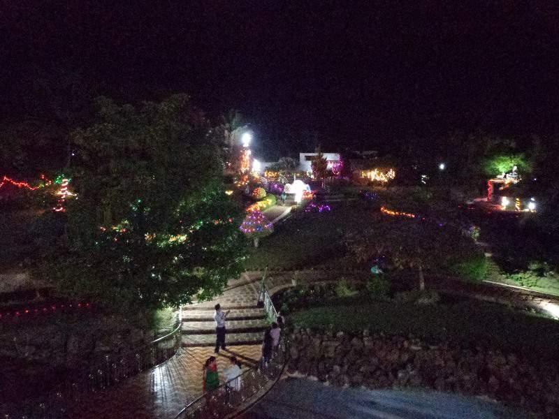 kumbhoj jain temple night view