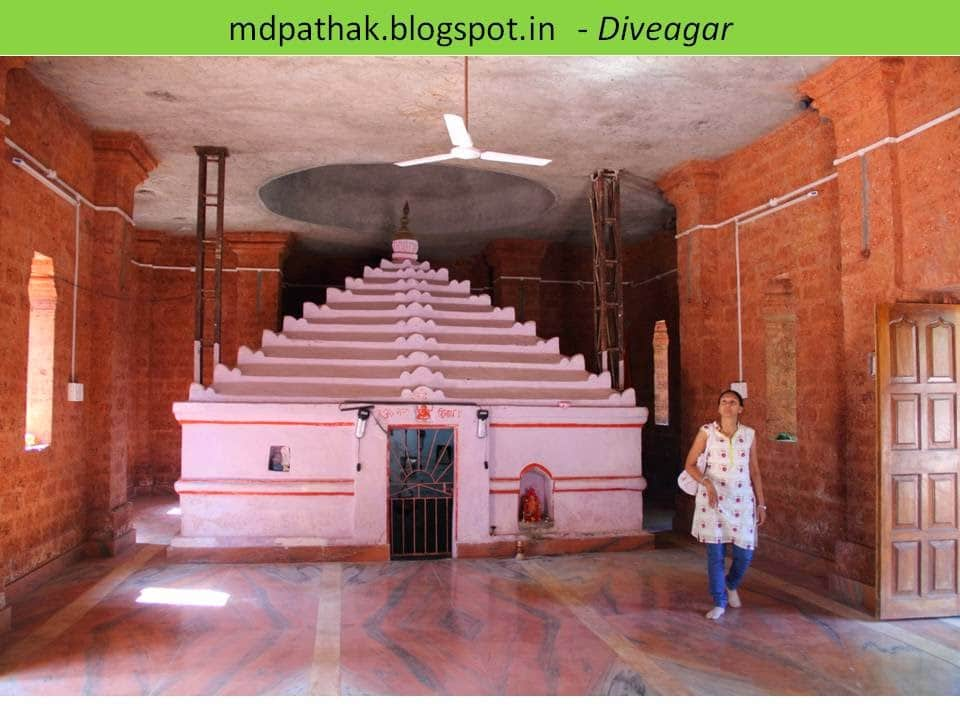 Uttareshwar temple (Lord Shiva) garbha graha