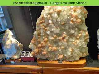 apophyllite with stilbite found at Jalgaon, Maharashtra
