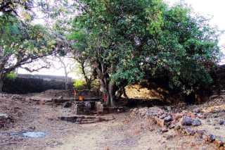 Tiny and tillu fort - Bankot aka Himmatgad aka Fort Victoria